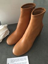 Maison Margiela Round Toe Leather Ankle & Booties Boots