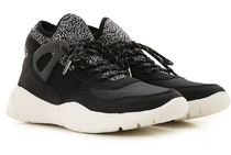 Kendall + Kylie Leather Low-Top Sneakers