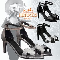 HERMES Open Toe Casual Style Bi-color Leather Elegant Style Mules