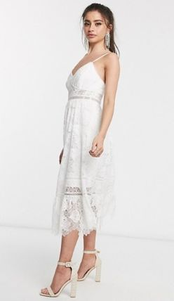 Blended Fabrics Sleeveless V-Neck Medium Midi Lace