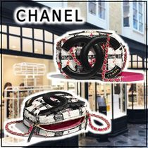 CHANEL 2020 SS CAMERA CASE white more bags