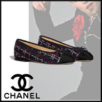CHANEL Logo Ballet Shoes