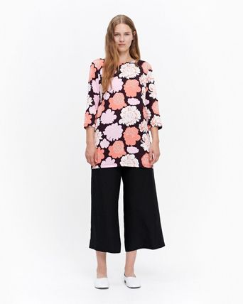 marimekko Flower Patterns Boat Neck Cropped Tunics