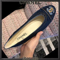CHANEL ICON Plain Toe Casual Style Blended Fabrics Bi-color Plain