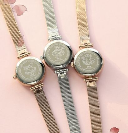 Collaboration Round Quartz Watches Silver Analog Watches