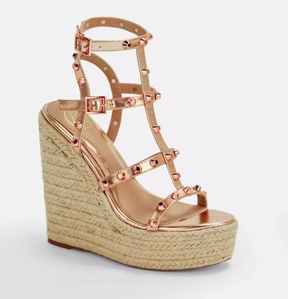 Open Toe Casual Style Studded Plain Platform & Wedge Sandals