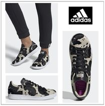 adidas STAN SMITH Casual Style Unisex Fur Street Style Other Animal Patterns