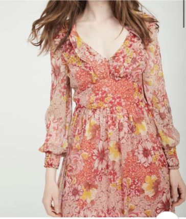 Short Flower Patterns Casual Style Chiffon Flared V-Neck