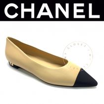 CHANEL ICON Casual Style Street Style Bi-color Plain Leather Handmade