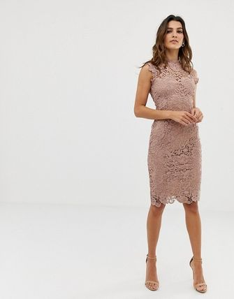 Tight Sleeveless Medium High-Neck Lace Dresses