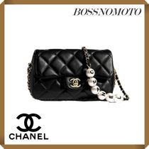 CHANEL Casual Style Chain Plain Leather Elegant Style Crossbody