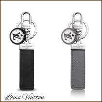 Louis Vuitton TAIGA Monogram Leather Logo Keychains & Holders