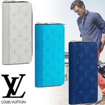 Louis Vuitton TAIGA Monogram Leather Long Wallet  Logo Long Wallets