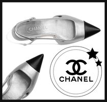 CHANEL Plain Toe Round Toe Casual Style Street Style Bi-color