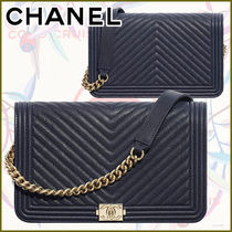 CHANEL BOY CHANEL Calfskin Blended Fabrics Street Style Chain Plain Leather