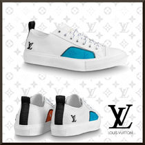 Louis Vuitton Monogram Unisex Street Style Leather Logo Sneakers