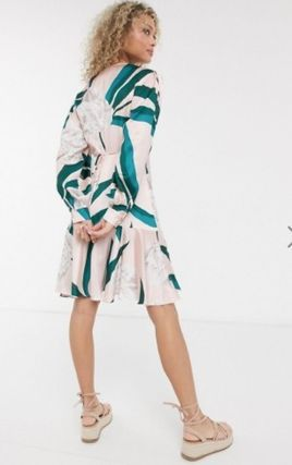 Wrap Dresses Short Flower Patterns V-Neck Long Sleeves