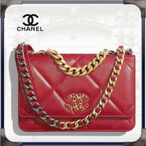CHANEL CHAIN WALLET Blended Fabrics Chain Leather Chain Wallet Logo Metallic