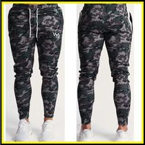VANQUISH FITNESS Tapered Pants Printed Pants Camouflage Sweat Logo