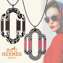 HERMES Casual Style Unisex Flower Street Style Chain Leather