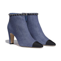 CHANEL Casual Style Bi-color Chain Plain Pin Heels Elegant Style
