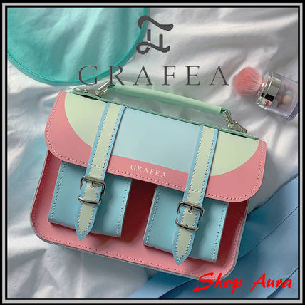 Casual Style Leather Handmade Shoulder Bags