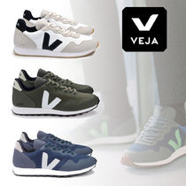 VEJA Casual Style Unisex Street Style Plain Logo Low-Top Sneakers