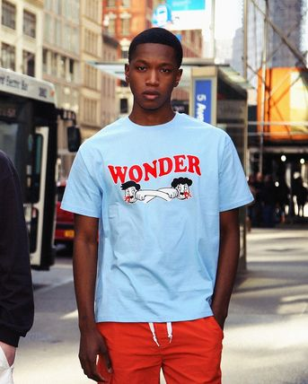 WONDER VISITOR More T-Shirts Unisex Street Style T-Shirts 8