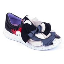 Irregular Choice Plain Toe Casual Style Low-Top Sneakers