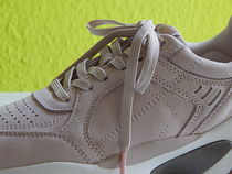 Tamaris Casual Style Leather Low-Top Sneakers