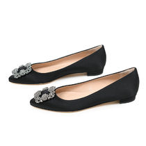 Manolo Blahnik Hangisi Plain Party Style Logo Flats