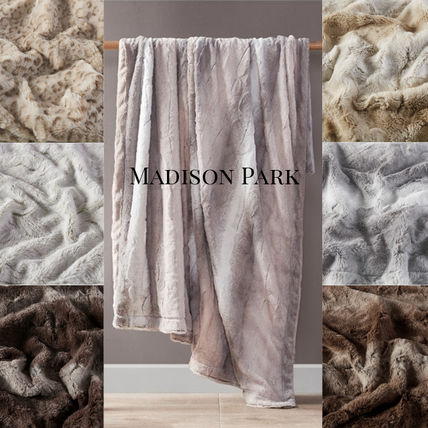 MADISON PARK Oversized Throws