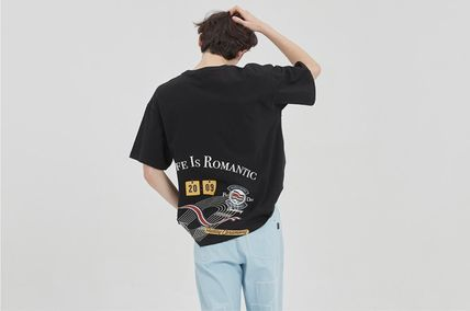 ROMANTIC CROWN More T-Shirts Unisex Street Style Cotton Short Sleeves Oversized Logo 4