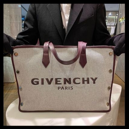 GIVENCHY Unisex Mothers Bags