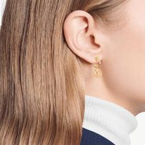 Louis Vuitton V Blooming Earrings