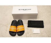 GIVENCHY Shower Shoes Flat Sandals