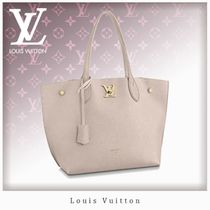 Louis Vuitton LOCKME Casual Style A4 Plain Leather Office Style Elegant Style