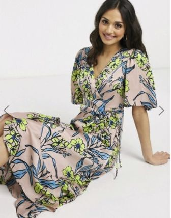 Flower Patterns V-Neck Medium Short Sleeves Midi