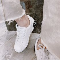Moschino Logo Low-Top Sneakers