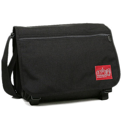 Unisex Nylon Plain Messenger & Shoulder Bags