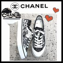 CHANEL SPORTS Unisex Bi-color Logo Sneakers