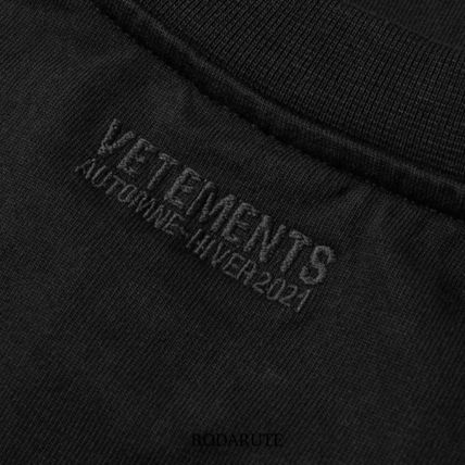 VETEMENTS More T-Shirts Street Style Logo T-Shirts 9
