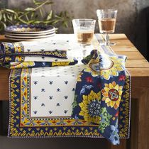 Williams Sonoma Tablecloths & Table Runners