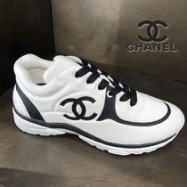 CHANEL Plain Logo Sneakers