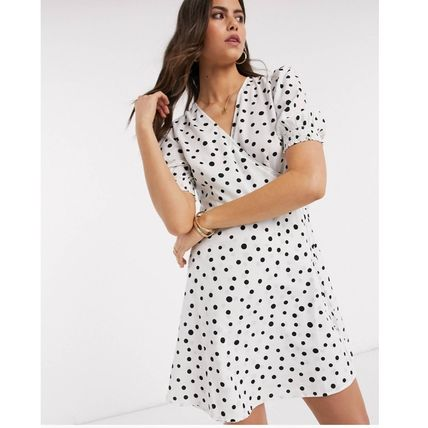 Short Dots Casual Style V-Neck Short Sleeves Party Style