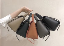 CELINE Shoulder Bags