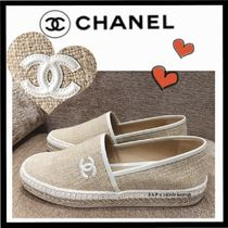 CHANEL Casual Style Bi-color Plain Low-Top Sneakers