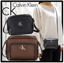 Calvin Klein Casual Style Street Style Shoulder Bags