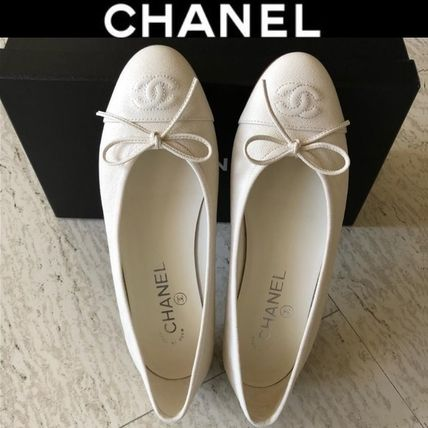 CHANEL Plain Leather Logo Ballet Shoes