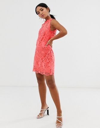 Short Tight A-line Sleeveless Party Style High-Neck Lace